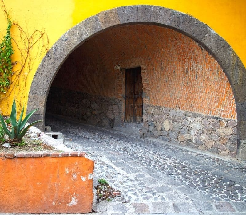 Entryway to a tunnel street
