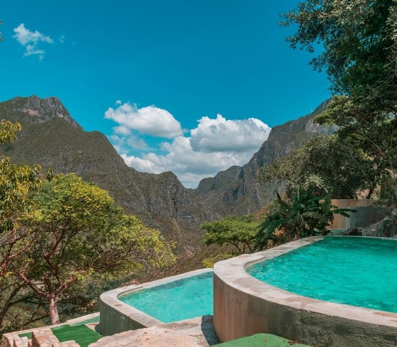 natural infinity pools on a cliff - Visit Las Grutas Tolantongo